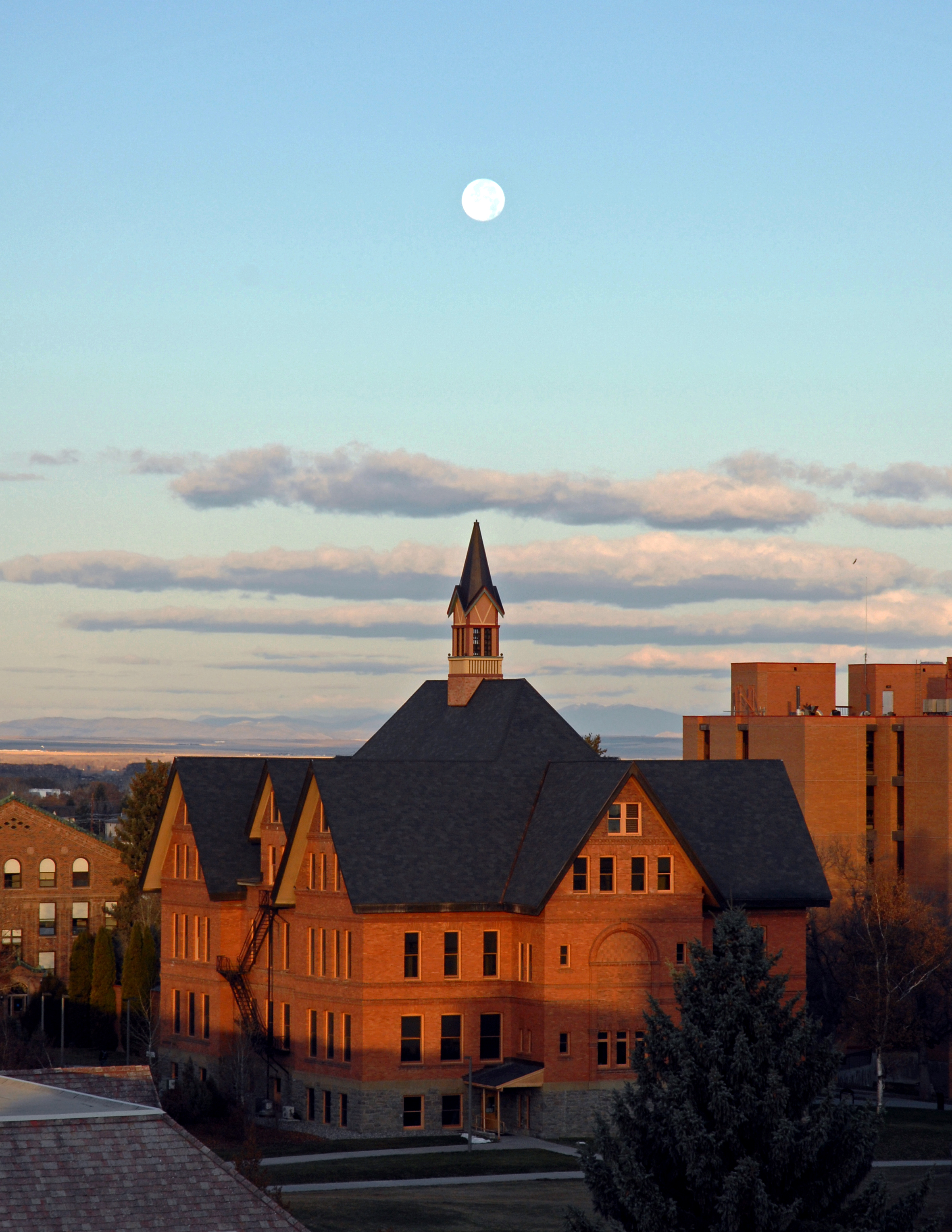 university of montana mfa creative writing ranking Best creative writing colleges in montana we have created a 2018 ranking of the best colleges in montana that offer creative writing degrees to help you find a school that fits your needs.